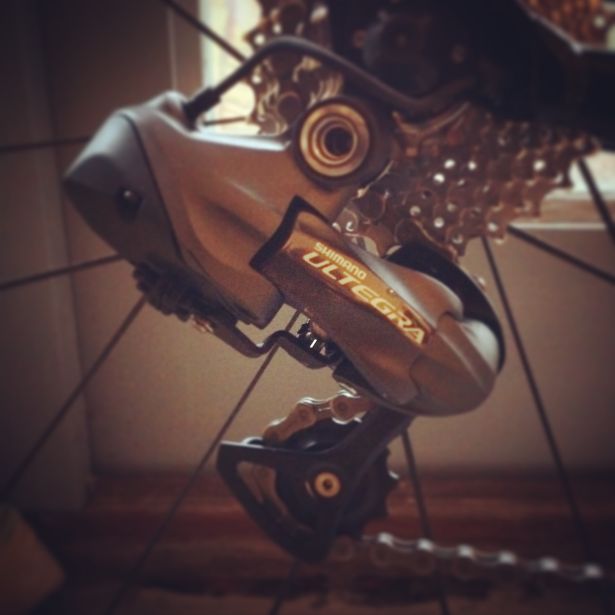 Just how long is Shimano Di2 battery life? – Tempo Cyclist